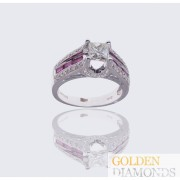 Золотое кольцо с  бриллиантами и рубинами