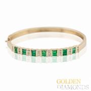 Золотой браслет с изумрудами и бриллиантами