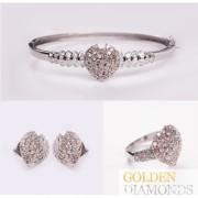 набор золотых ювелирных изделий с бриллиантами